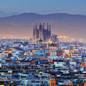 Самое время отправится в лучшие испанские города вместе с авиакомпанией Vueling!