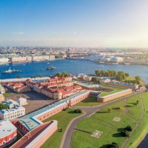 «Россия» открывает туристический сезон в Санкт-Петербург.