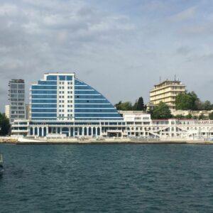Прогулка по центру Севастополя с морским путешествием по цене пломбира