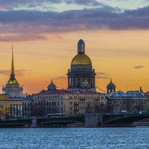 Салют на день ВМФ и обзорная экскурсия по Петербургу